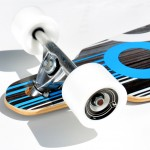 91058 – Atom 36 Inch Drop-Through Longboard – Close Up